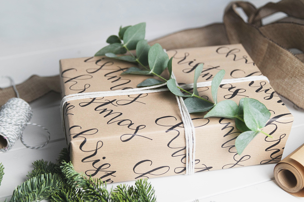 Gift Wrapping with Calligraphy